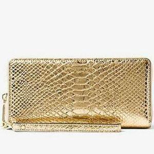 NEW Michael Kors WRISTLET, Gold Metallic leather